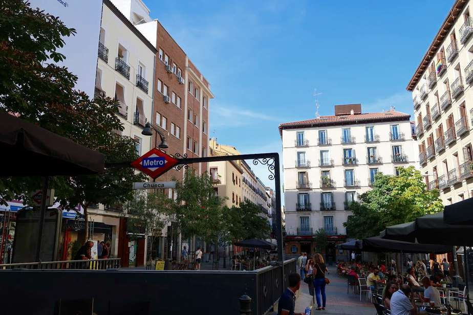 Métro Chueca, l'épicentre du quartier gay de Madrid